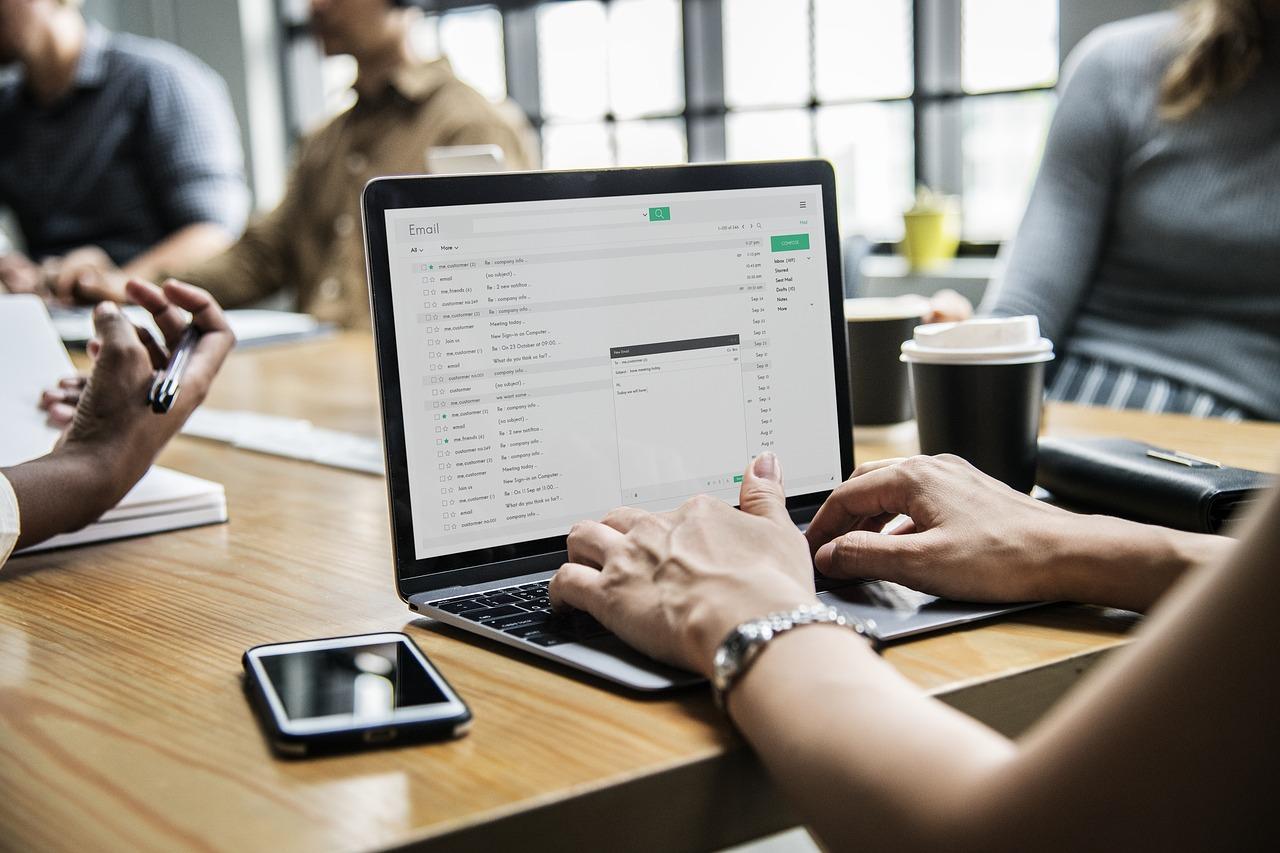 精准邮件营销如何锁定客户邮箱地址池?